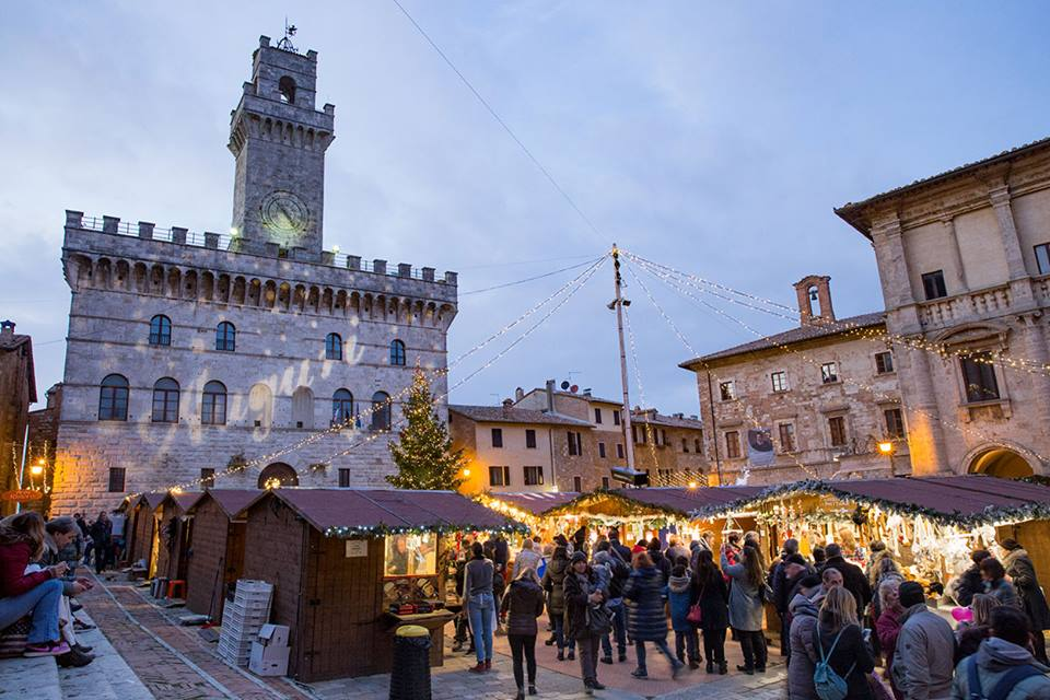 natale-montepulciano-piazza
