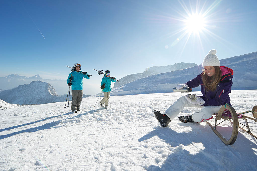austria-carinzia-inverno-EdwardGROEGER_KaerntenWerbung_Nassfeld_Familie01