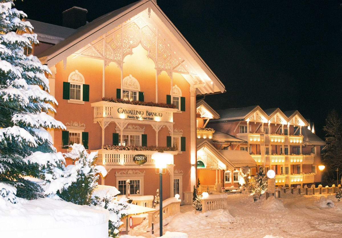Family hotel in Alto Adige, Cavallino Bianco Family Spa Grand Hotel, esterno in inverno