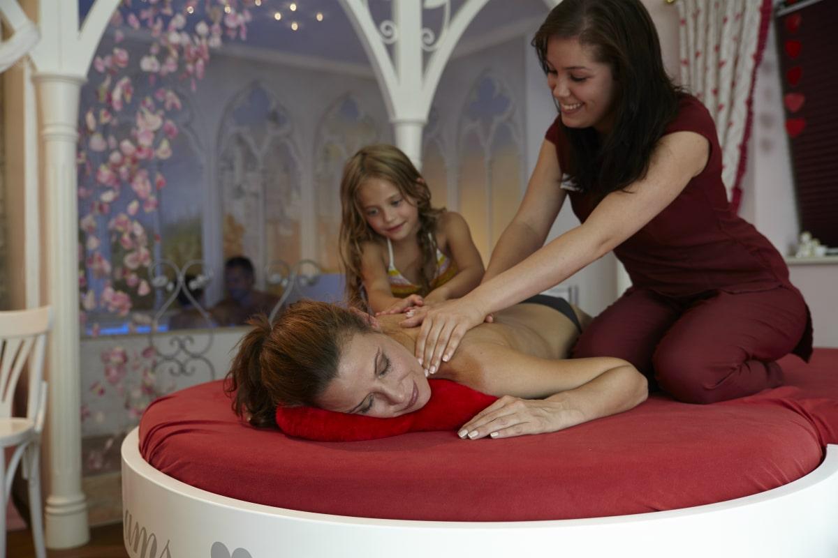 Family hotel in Alto Adige, Cavallino Bianco Family Spa Grand Hotel, massaggi