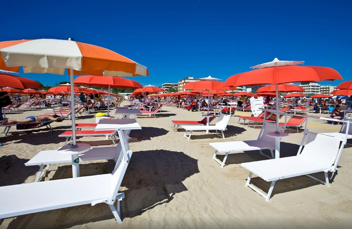 Family hotel cervia beach family hotel major a pinarella - Bagno palm beach pinarella ...
