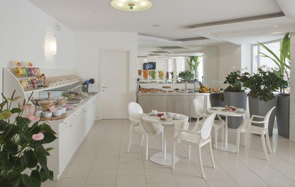 Hotel per bambini a Milano Marittima - Hotel Majestic - Sala colazione