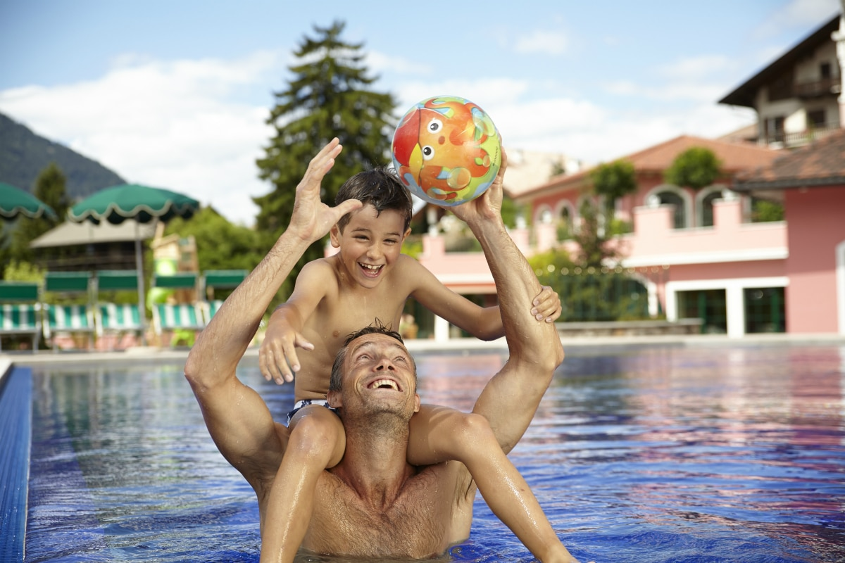 Family hotel in Alto Adige, Cavallino Bianco Family Spa Grand Hotel, piscina