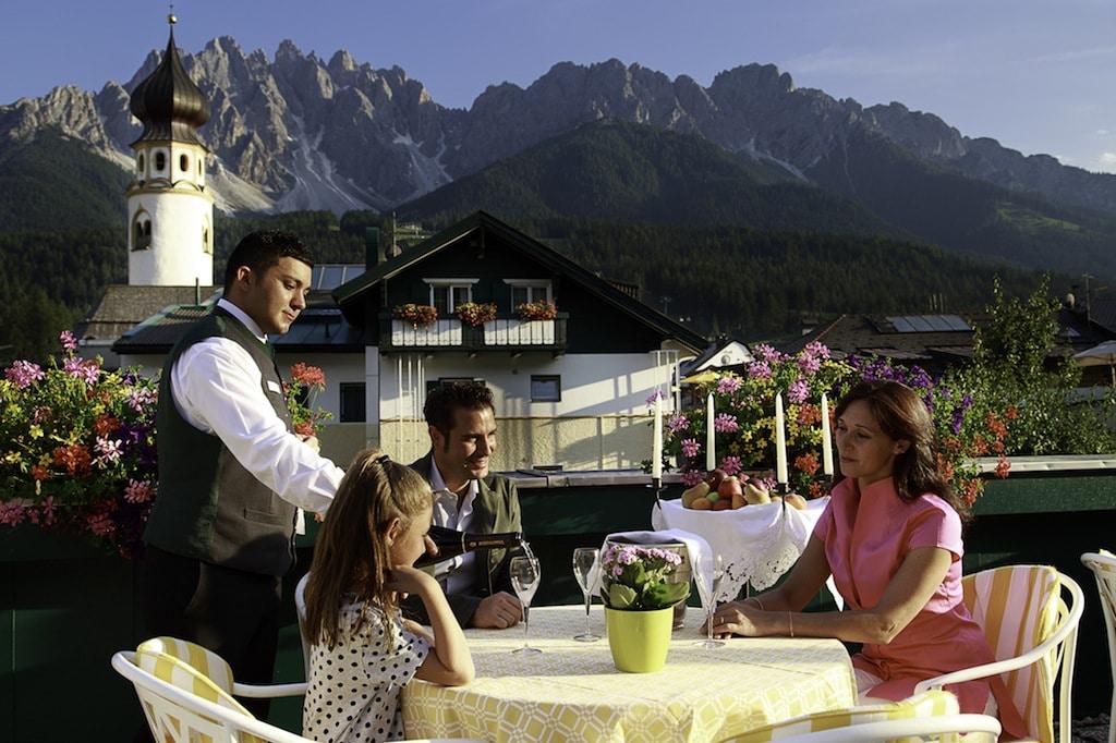 family hotel in val pusteria. Hotel Cavallino Bianco, estate