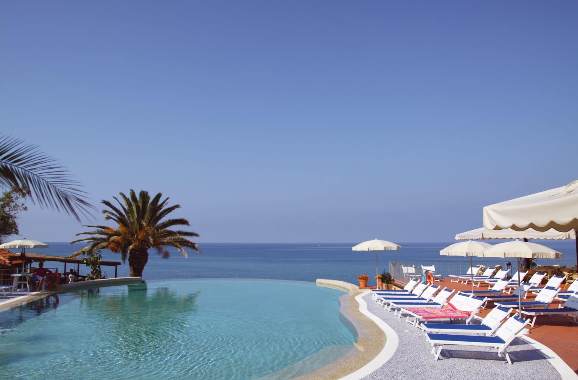villaggi sul mare nel Cilento, Resort Baia del silenzio, piscina