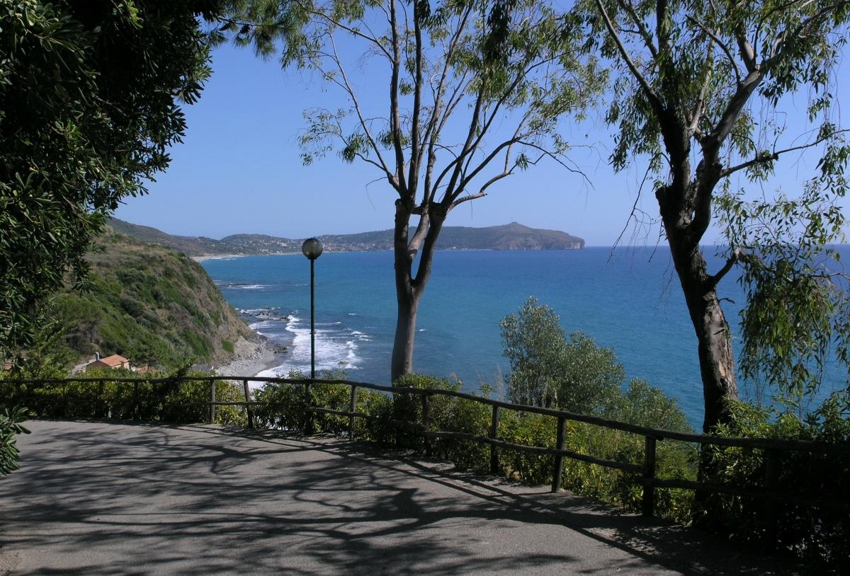 Villaggi sul mare nel cilento resort baia del silenzio for Vacanze a barcellona sul mare