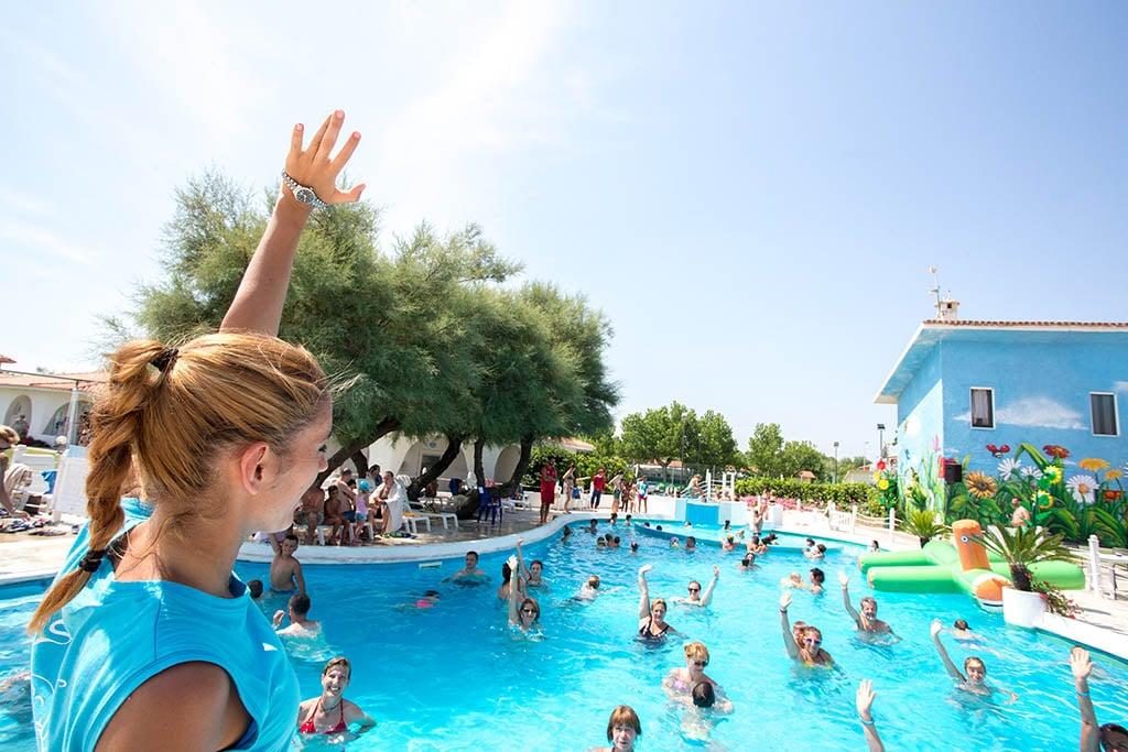 Villaggi nelle Marche: Family Beach Resort Il Girasole acqua gym
