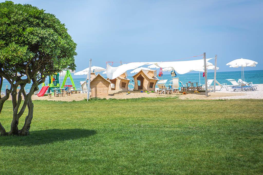 Villaggi nelle Marche: Family Beach Resort Il Girasole, giardino