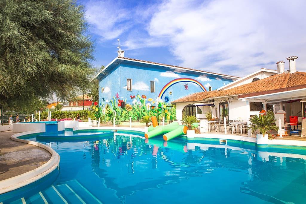 Villaggi nelle Marche: Family Beach Resort Il Girasole piscina