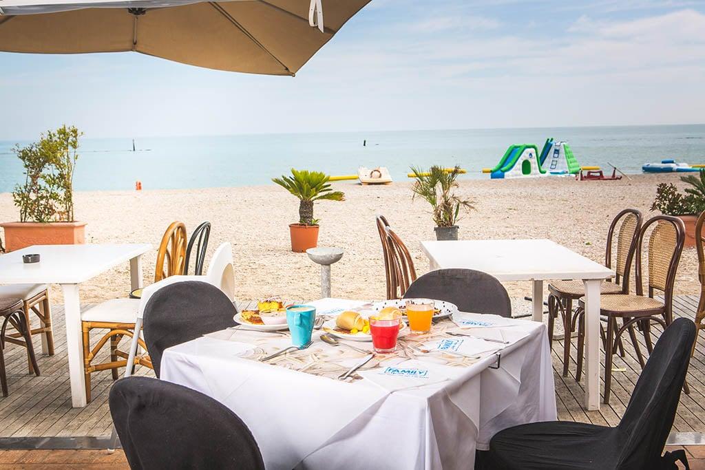 Villaggi nelle Marche: Family Beach Resort Il Girasole ristorante