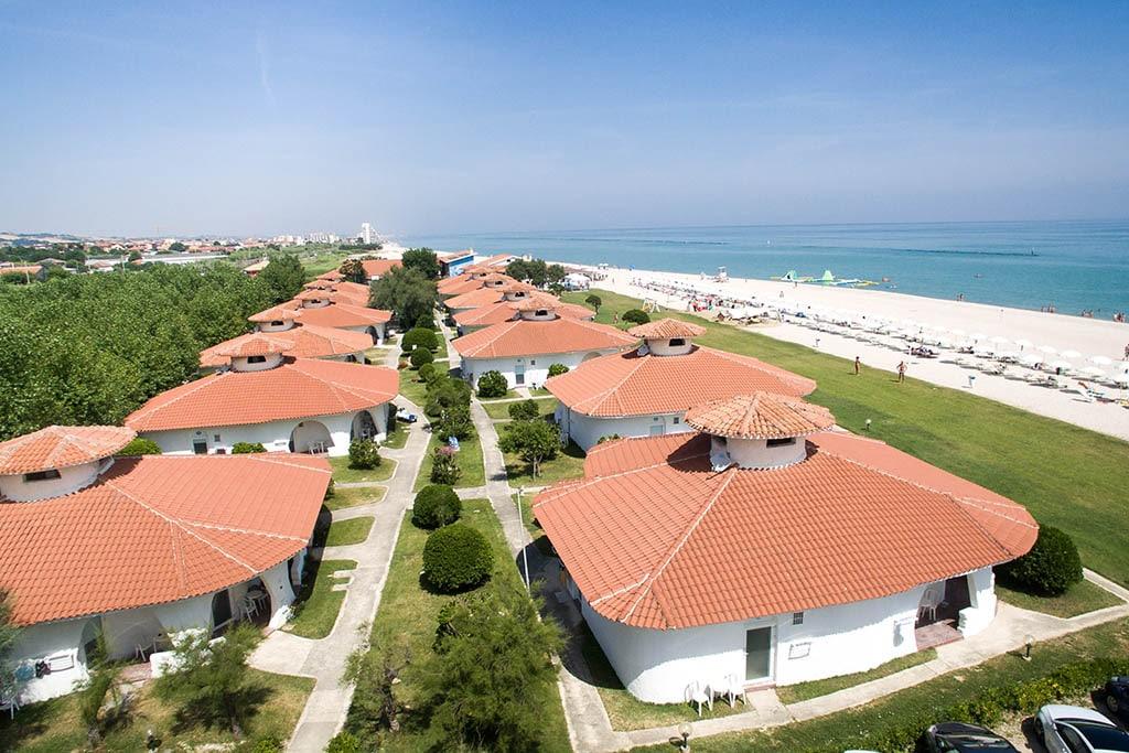 Villaggi nelle Marche: Family Beach Resort Il Girasole