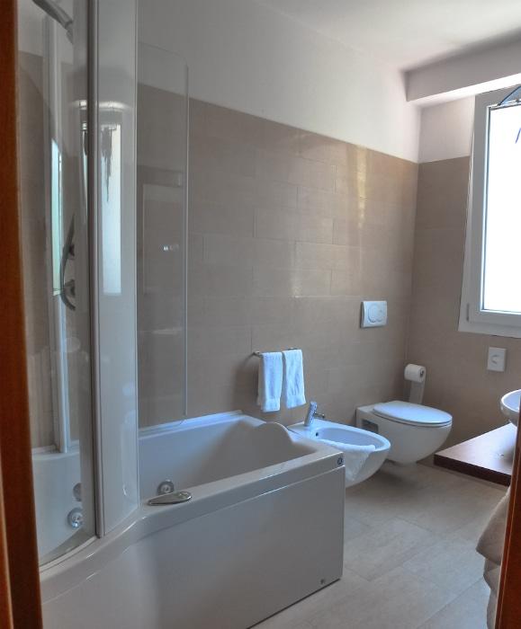 Hotel a milano marittima per famiglie beach hotel apollo - Bagno zefiro milano marittima ...