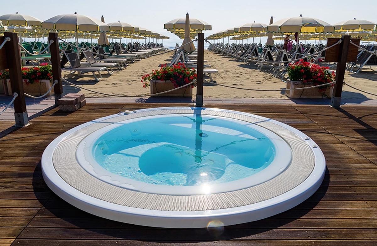 Hotel a Milano Marittima per famiglie, Beach Hotel Apollo, idromassaggio