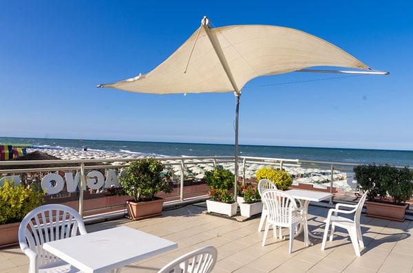Hotel a Milano Marittima per famiglie, Beach Hotel Apollo, panorama in spiaggia