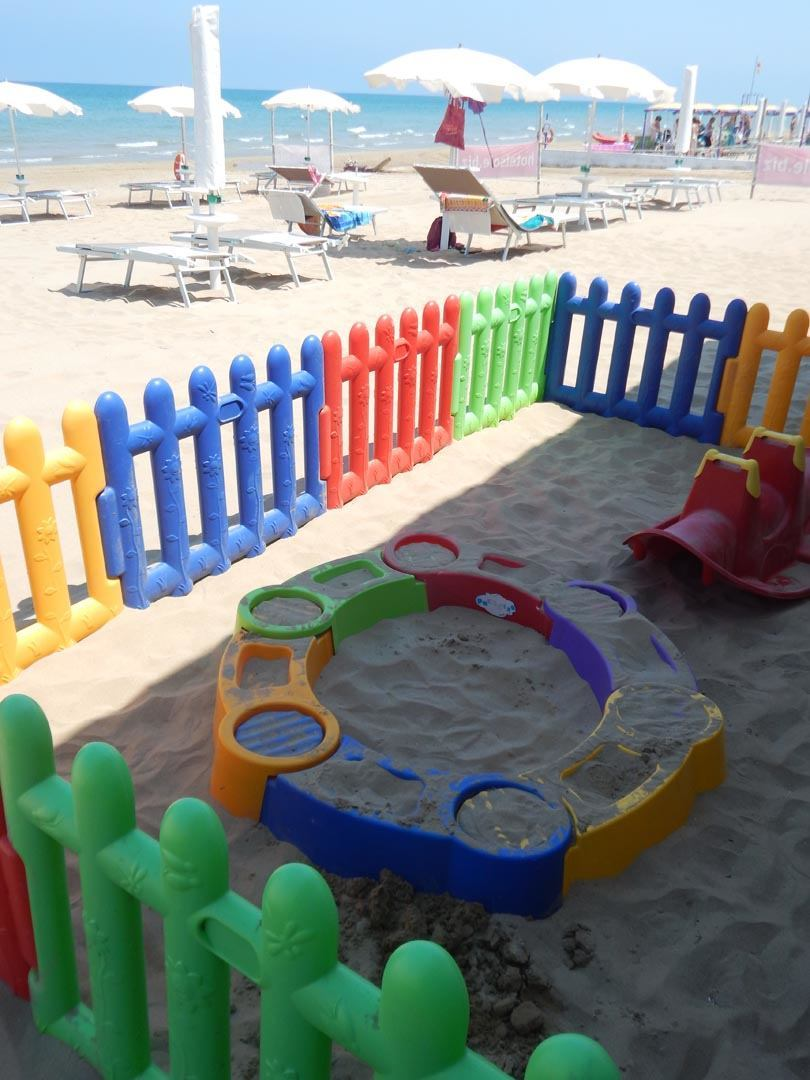 family hotel gargano, Family Hotel Sole, giochi in spiaggia