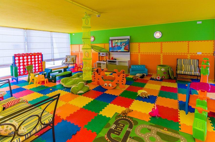 Residence a Bibione per bambini: Serenissima Residence, area giochi