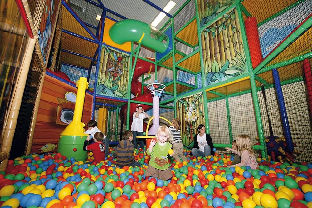 Baby hotel Austria: Baby & KinderHotel a Trebesing, giochi interni