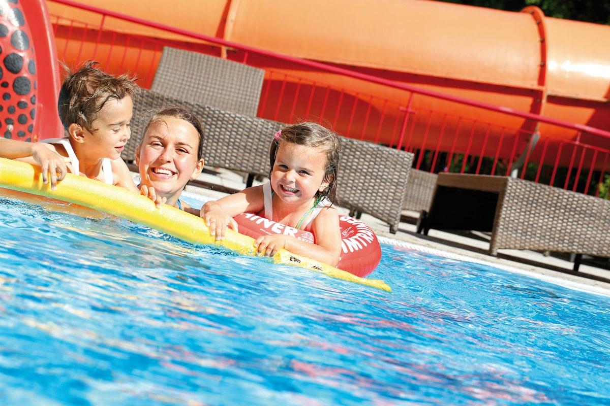 Baby hotel Austria: Baby & KinderHotel a Trebesing, piscine