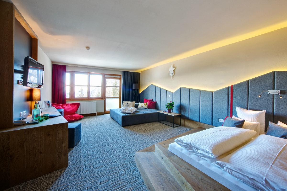 Family Hotel Austria: Hotel Sonnenalpe a Nassfeld in Carinzia, camere e suite