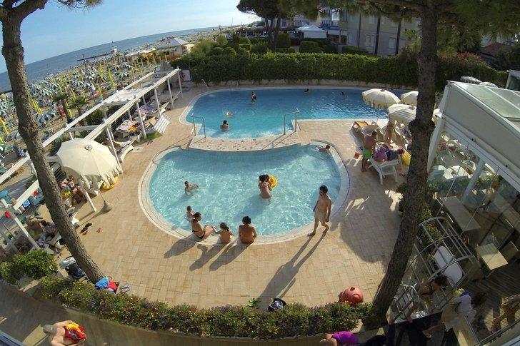 Family Hotel a Jesolo sul mare: Hotel Nettuno, piscina bambini