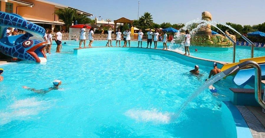Villaggio a Numana per famiglie, Centro Vacanze De Angelis, piscina
