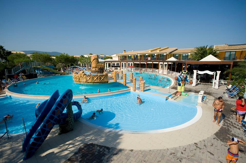 Villaggio a numana per famiglie centro vacanze de angelis for Vacanze con bambini
