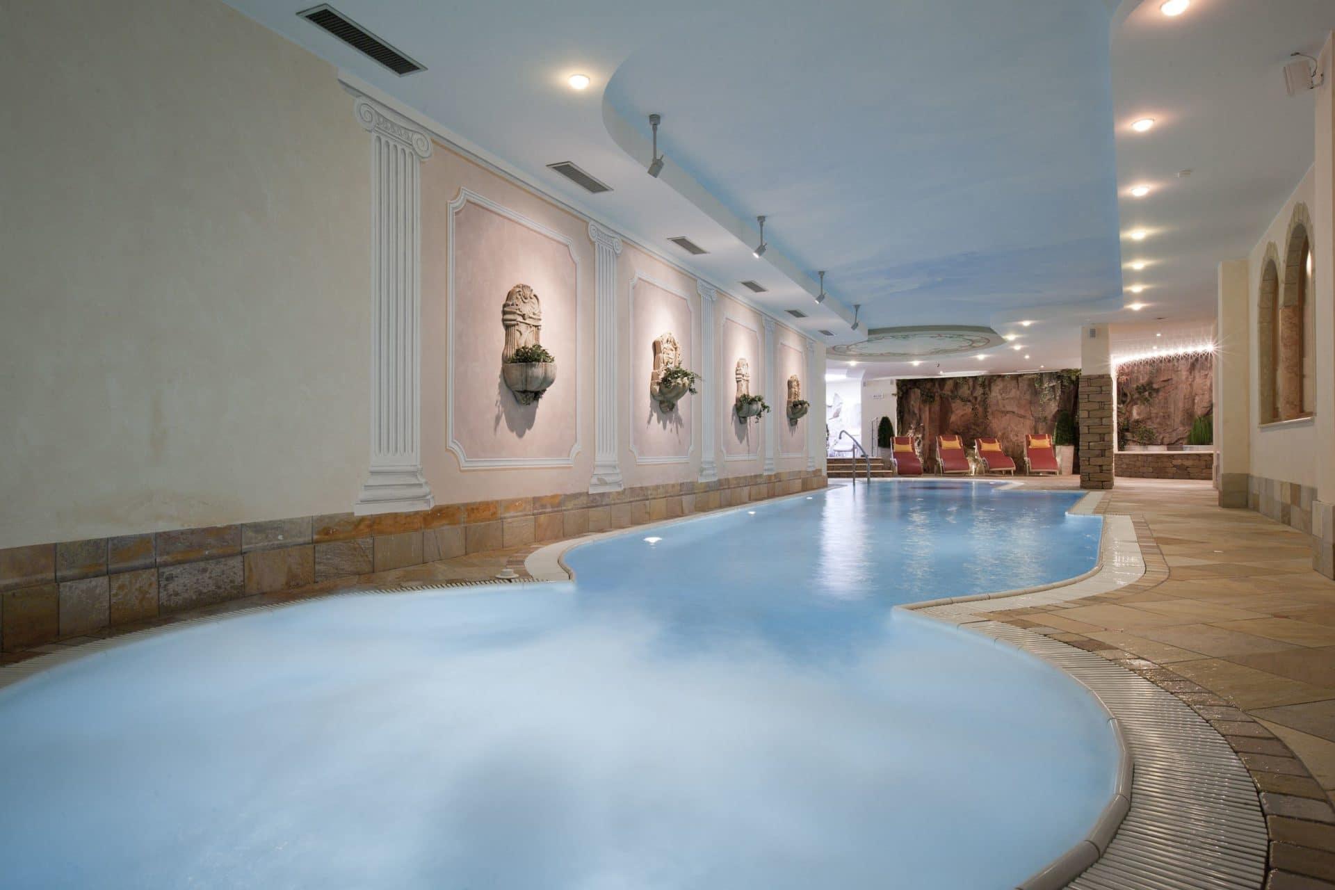Hotel per bambini in Val di Fassa: Dolce Casa, piscina con idromassaggio