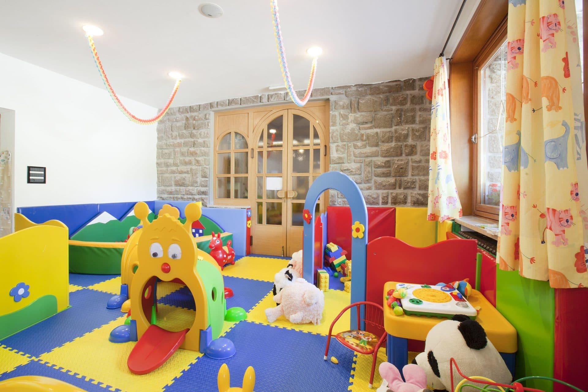 Hotel per bambini in Val di Fassa: Dolce Casa, sala 0-3