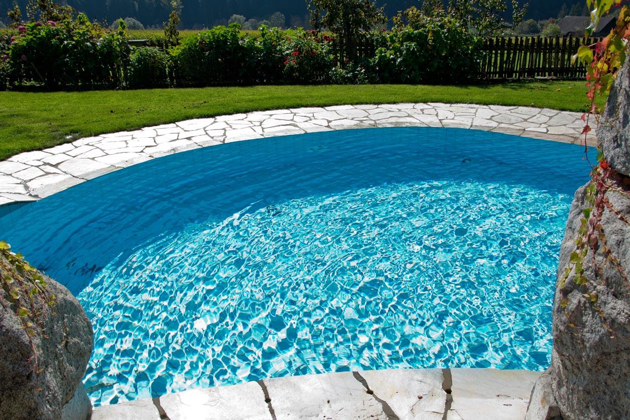 Agriturismo Alto Adige bambini - Residence fattoria Obermoarhof, piscina