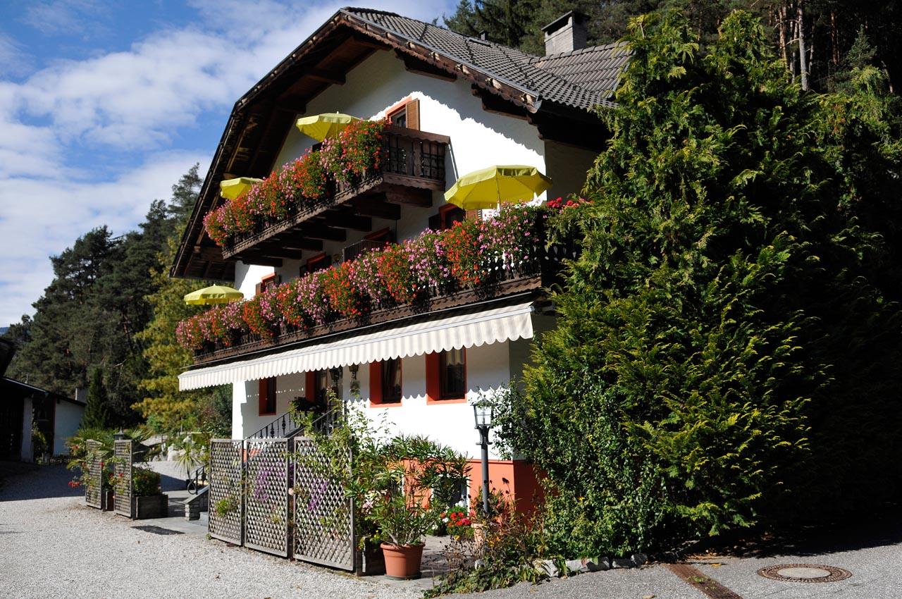 Agriturismo Alto Adige bambini - Residence fattoria Obermoarhof, estate