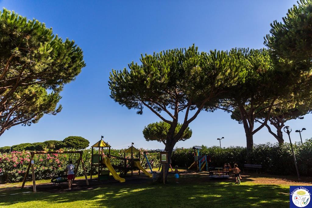 Villaggi Toscana mare per bambini: Camping Village Marina Chiara, giochi bimbi