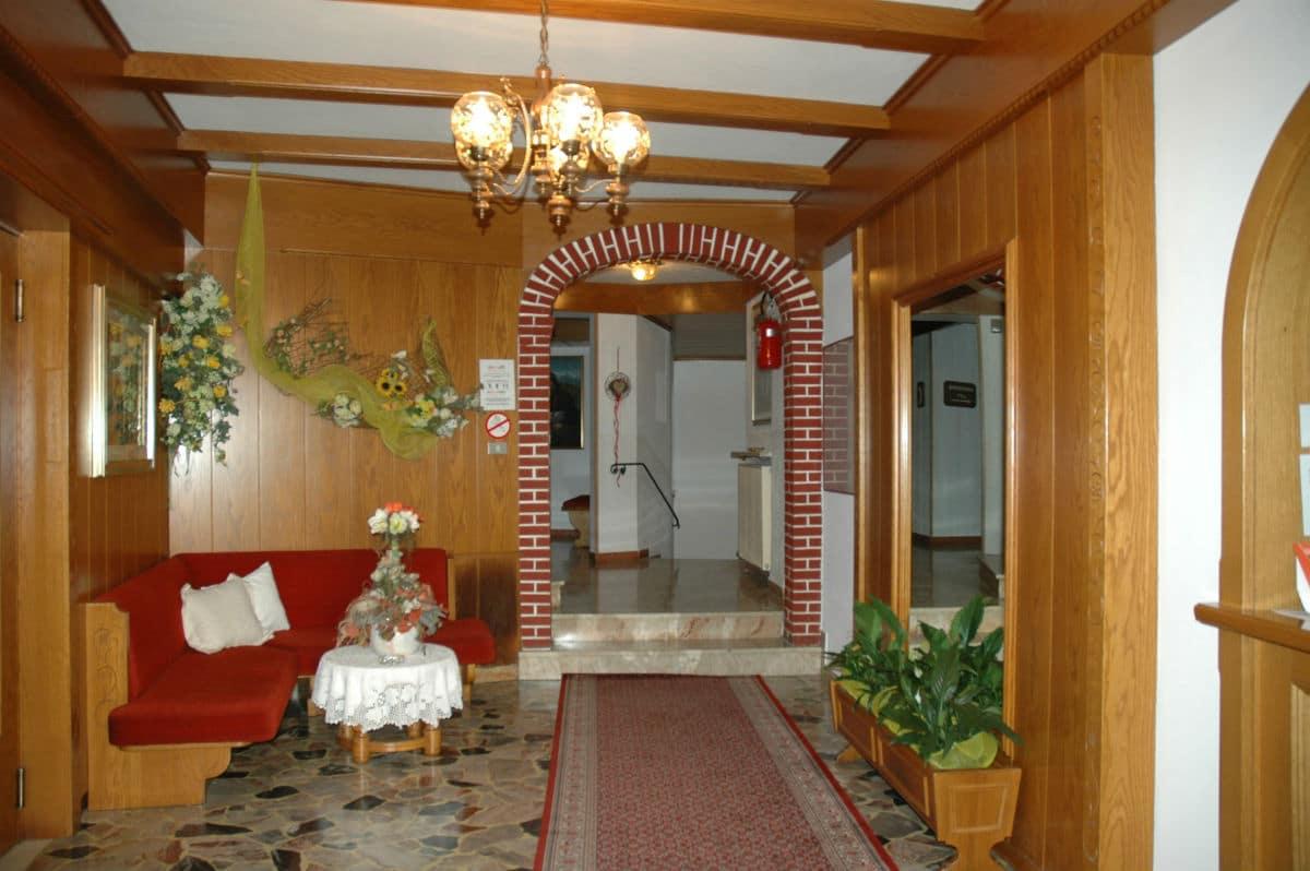 Hotel per famiglie in Val di Fiemme, Albergo al Cervo a Tesero, hall