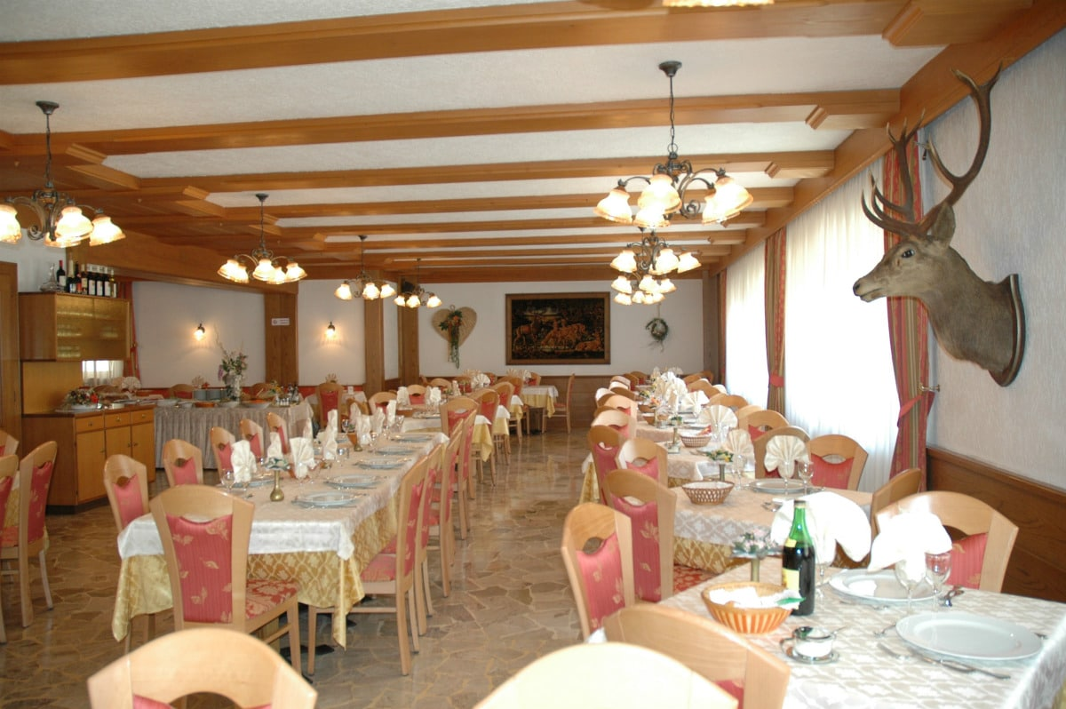 Hotel per famiglie in Val di Fiemme, Albergo al Cervo a Tesero, sala