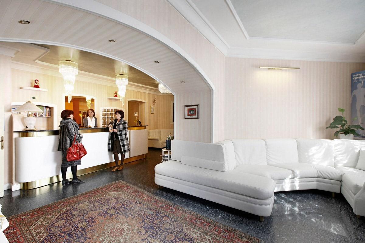 Hotel a Predazzo per famiglie - Hotel Touring, hall