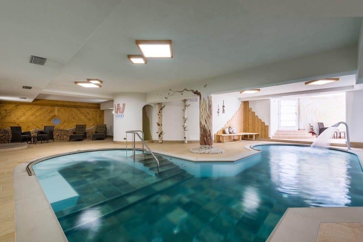 Residence in val di fiemme con piscina residence mich familygo - Hotel in montagna con piscina ...