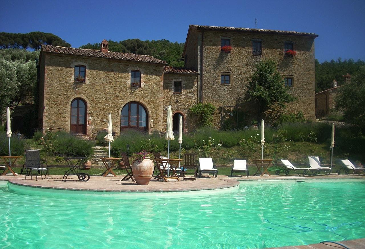 Agriturismo per bambini Umbria Il Cantico della Natura piscina