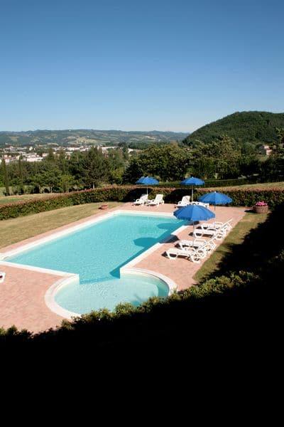Agriturismo per famiglie in Umbria Casale degli Olmi piscina