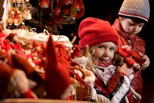 Immagini Di Bambini A Natale.Trentino Mercatino Di Natale Di Arco 2018 Il Programma Dei Bambini