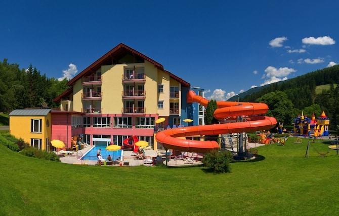 Baby hotel austria europas 1 baby kinderhotel familygo - Villaggi in montagna con piscina ...
