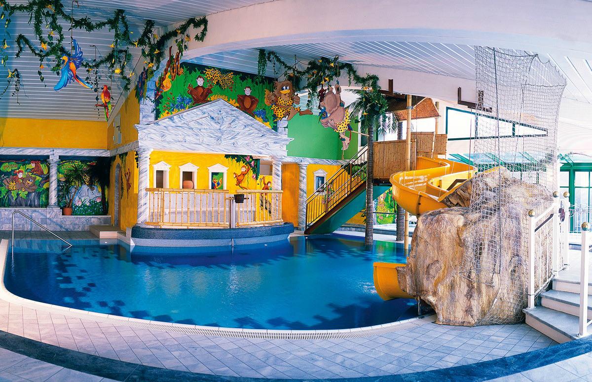 Family hotel in carinzia falkensteiner hotel cristallo familygo - Hotel con piscina montagna ...