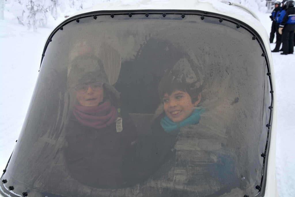 Viaggio in Lapponia con i Bambini, Salla, Finlandia, motoslitta