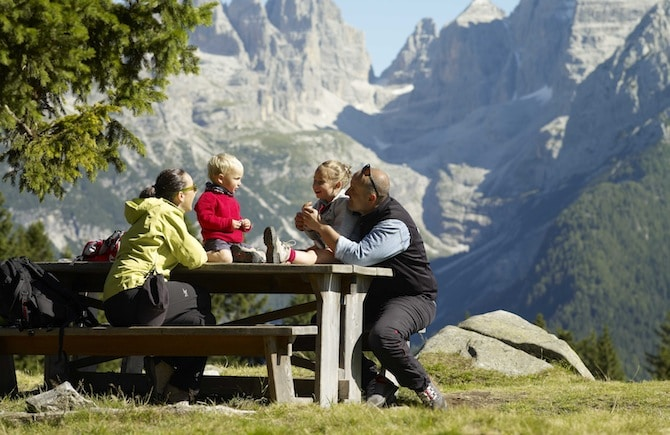 Top 10 dei luoghi del trentino per le vacanze in famiglia for Vacanze con bambini
