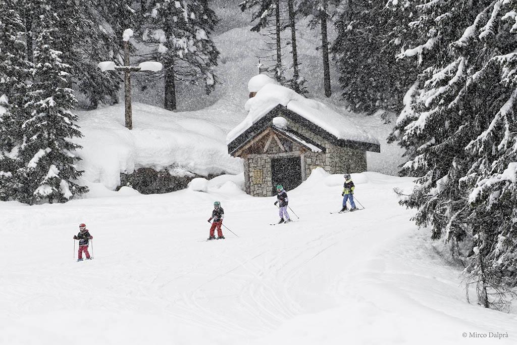 trentino-alpe-cimbra-inverno-sciare