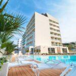 Family hotel Nautilus a Pesaro sul mare, piscina