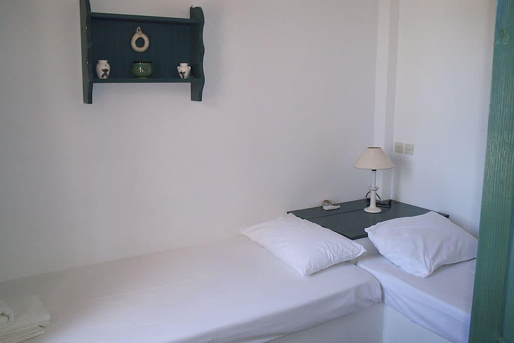 casa vacanze per bambini a Sifnos, Cicladi, Grecia. Appartamenti Markela, letti singoli