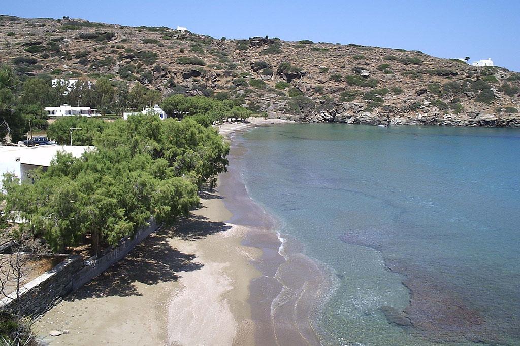casa vacanze per bambini a Sifnos, Cicladi, Grecia. Spiaggia di Chrissopighi