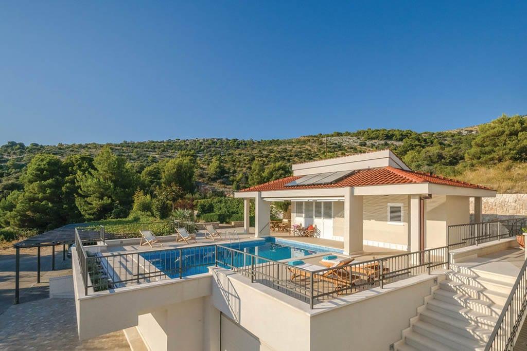 Ville sul mare in croazia case vacanza appartamenti novasol for Appartamenti pescoluse sul mare