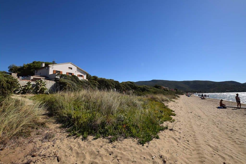 Casa indipendente con accesso privato alla spiaggia a Orbetello