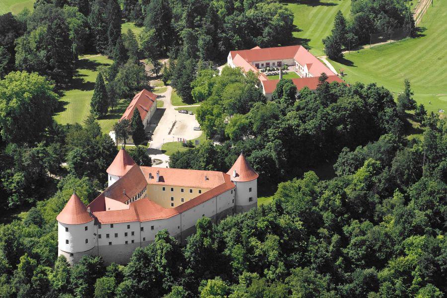 slovenia-terme-catez-Mokrice_Castle