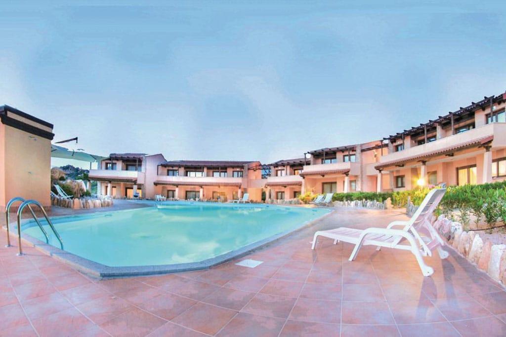 Case vacanza in Sardegna Novasol, appartamento in residence con piscina, costa paradiso